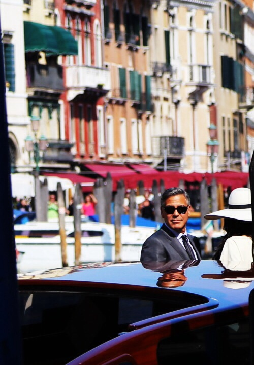 George Clooney waves to the crowds outside Venice City Hall. /Photo by Michelle Locke