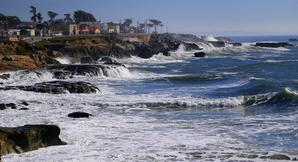 west-cliff-drive-surf